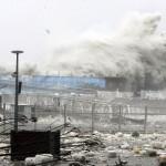 Разрушительный тайфун Санба ударил по Южной Кореи!